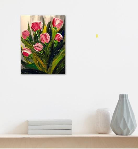 Tulipes - photo du salon au dessus d'un étagère