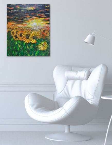 Champs de tournesols de Kate Art, peinture affiché sur le mur du salon